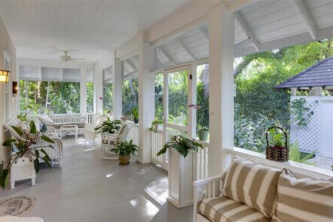 Porches for a Cottage inn Coconut Grove 4