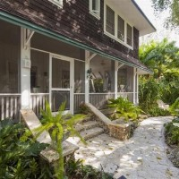 A Tropical Cottage in Coconut Grove