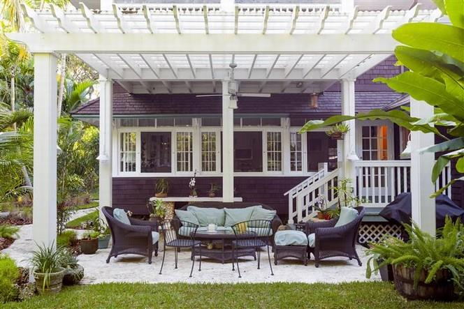 Porches for a Cottage inn Coconut Grove 7