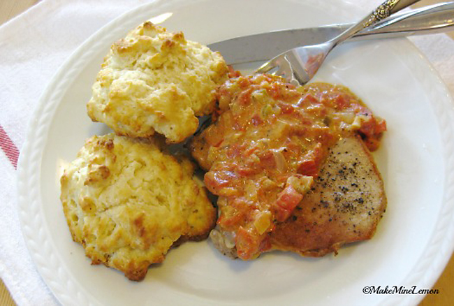 Pork Chops with Tomato Gravy