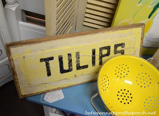 Rustic Tulip Sign