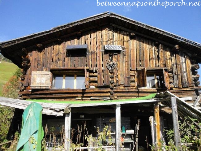 Ski Cabin in Switzerland Before Renovation 1_wm