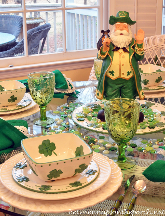 St Patrick's Day Tablescape Table Setting