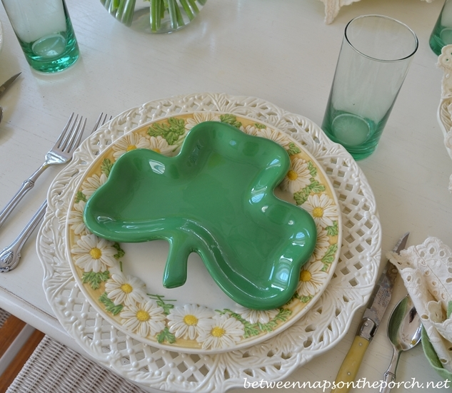 St. Patrick's Day Spring Table Setting Tablescape