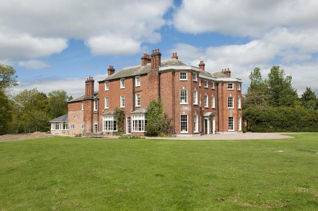 Historic Shakenhurst Estate Tour 01
