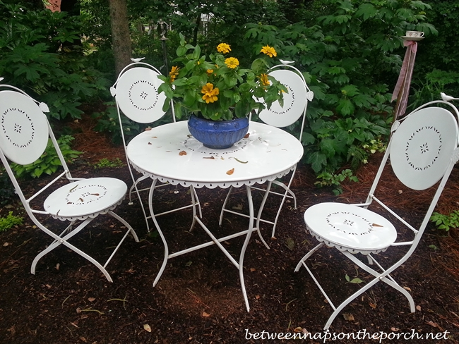 Dining in the Garden_wm
