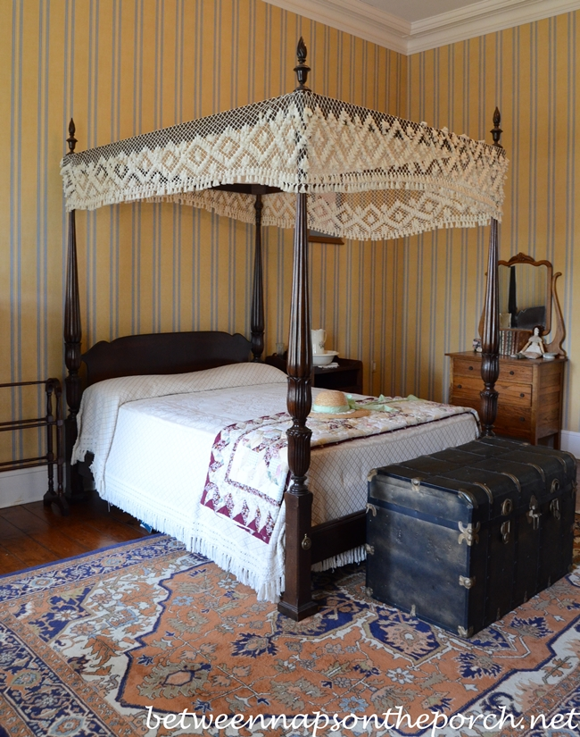 Greenwood Plantation, Bedroom with Striped Wallpaper
