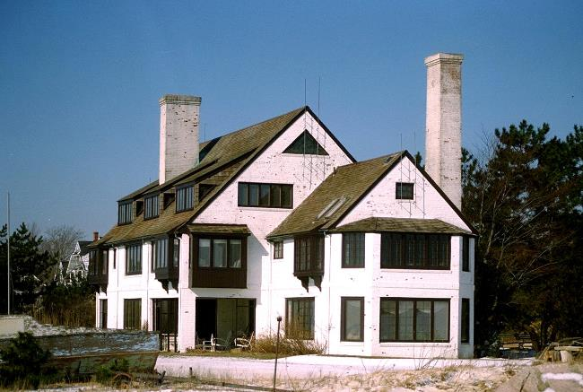 Katharine Hepburn, Old Saybrook Fenwick Connecticut Home Before Renovations