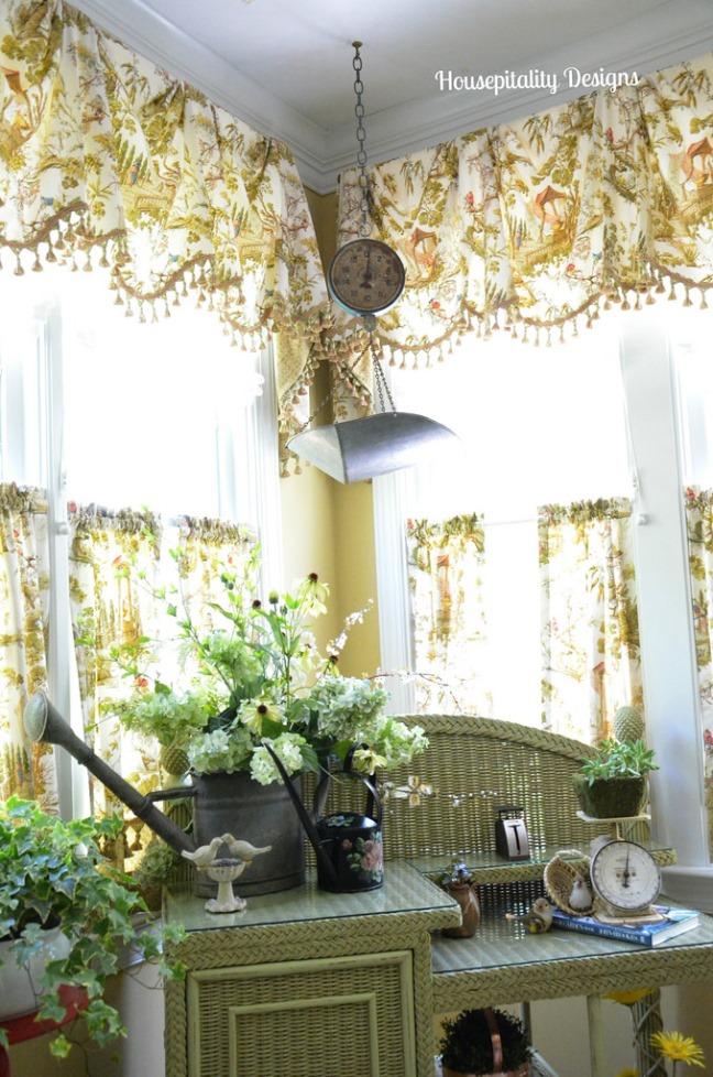 Sunroom Decorated in Garden Theme