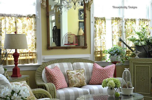 Sunroom with Garden Theme