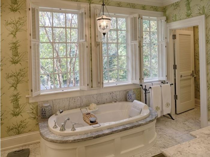 Beautiful Bath for Savannah Island Home
