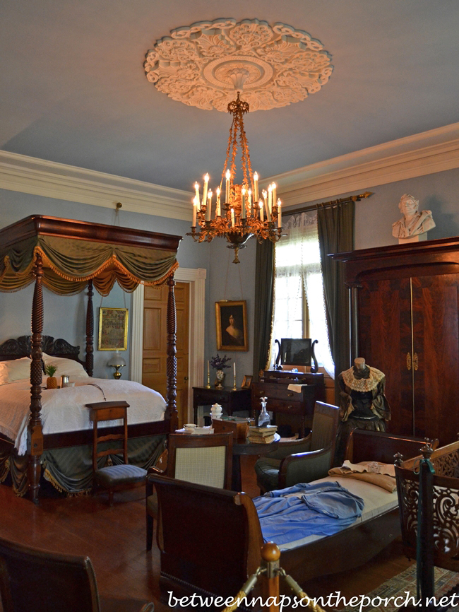 Beautiful Blue Bedroom, Oak Alley Plantation 5a