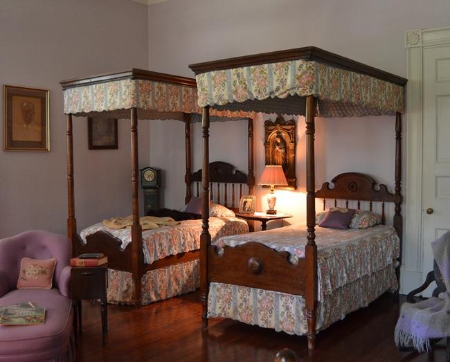 Beautiful Twin Canopy Beds in Oak Alley