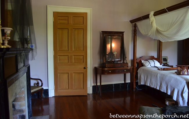 Bedroom, Oak Alley Plantation