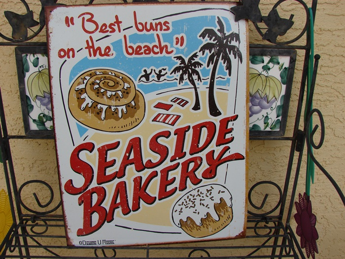 Best Buns on the Beach Sign