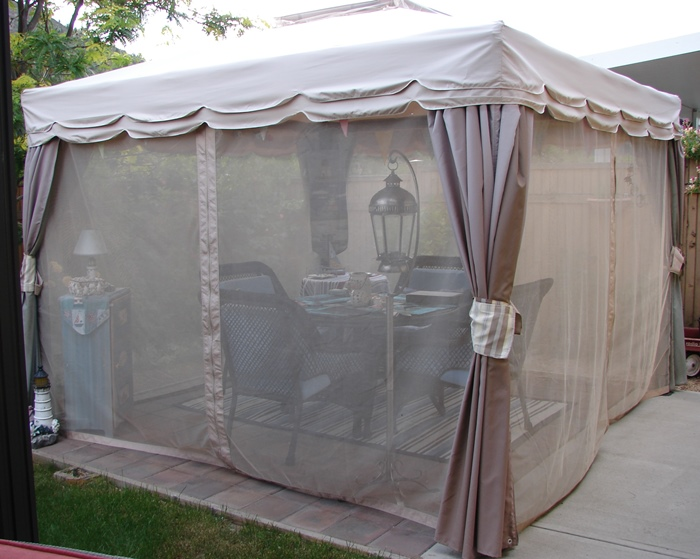 Canopy Room With Screening For Outdoor Entertaining & Dining
