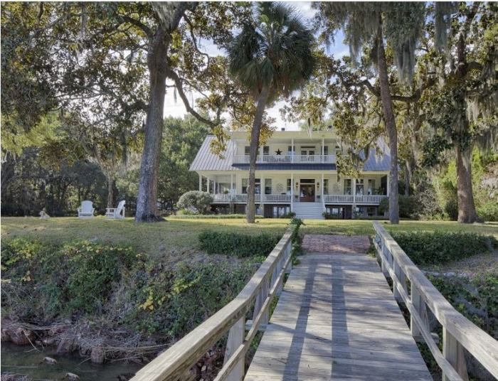 Historic Savannah Island Home Available For Purchase