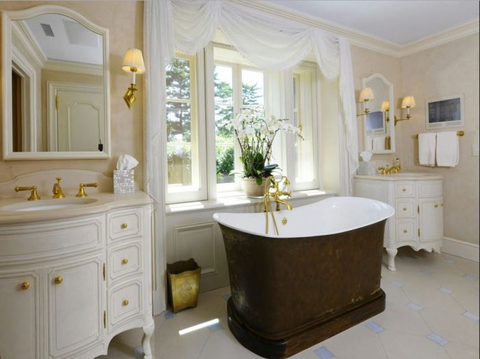 Luxury Bath, Khakum Woods 1929 Estate 06