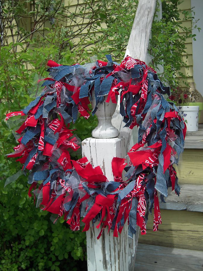 Make a 4th Of July, Patriotic Wreath 2