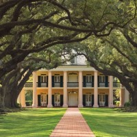 Tour Beautiful Oak Alley Plantation in Louisiana
