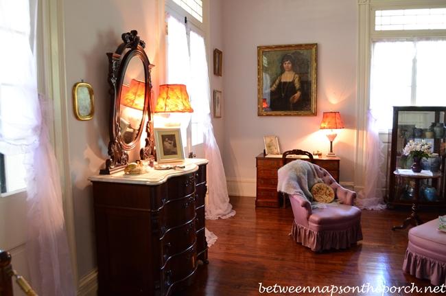 Oak Alley Plantation Bedroom 2