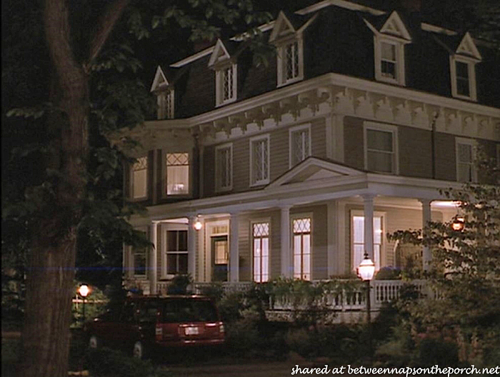 Stepmom Victorian House, Movie House