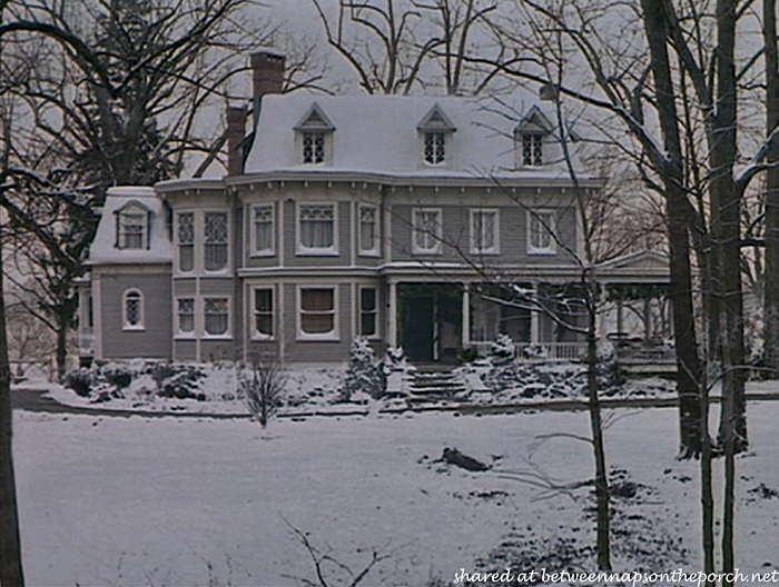 Stepmom Victorian House, in Snow 2