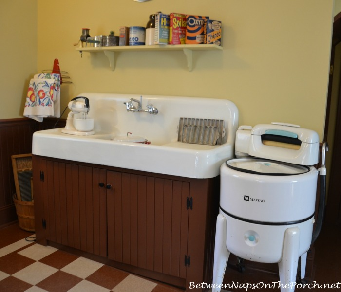A Christmas Story Kitchen Sink & Maytag Wringer Washing Machine