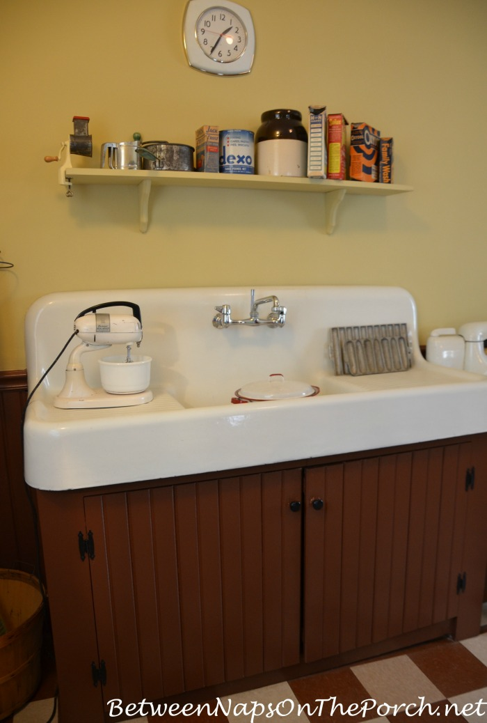 A Christmas Story Kitchen Sink, Randy's Cabinet