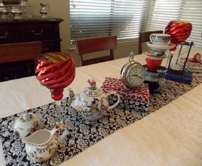 Alice in Wonderland Table Setting Tablescape 03