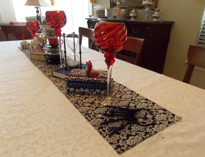 Alice in Wonderland Table Setting Tablescape 04