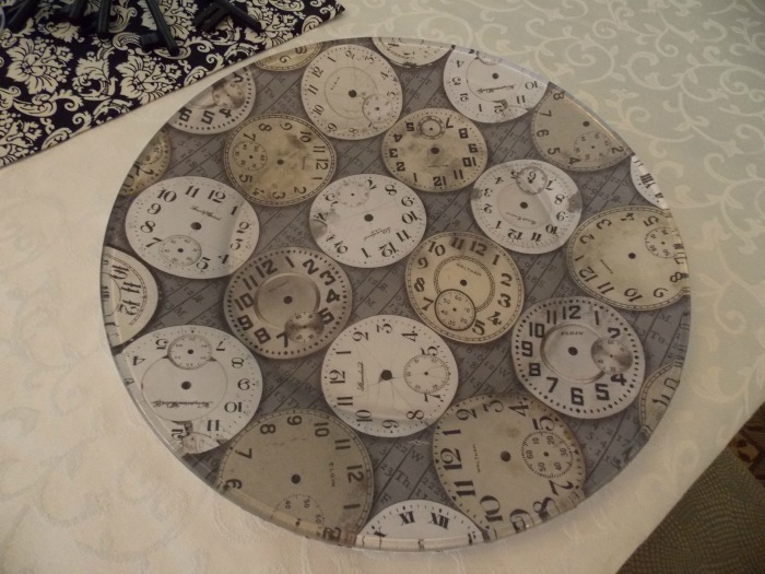 Clock Plates for Alice In Wonderland Table Setting1