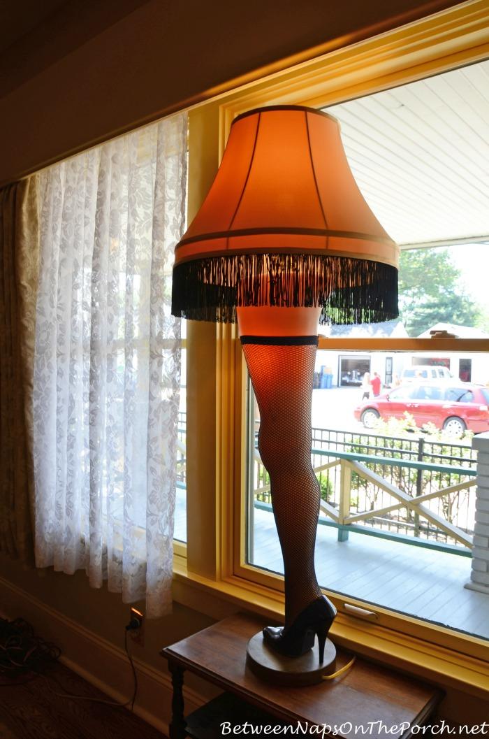 A Christmas Story Lamp, A Major Award