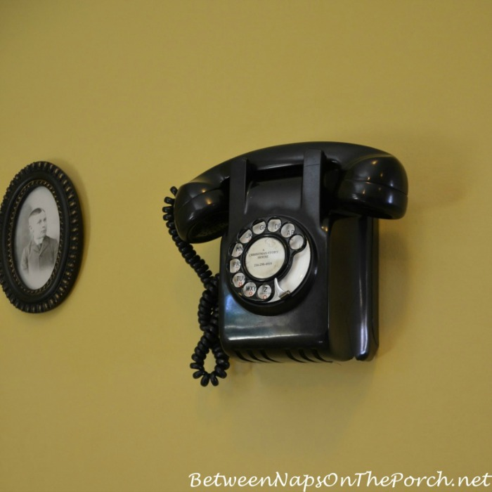 A Christmas Story Movie House Wall Phone