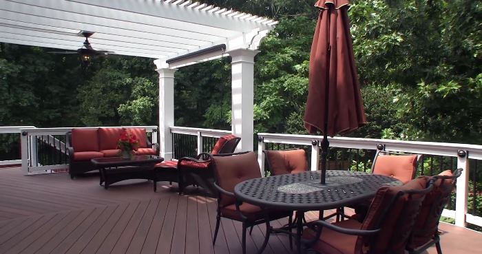 Build a Deck & Pergola Addition