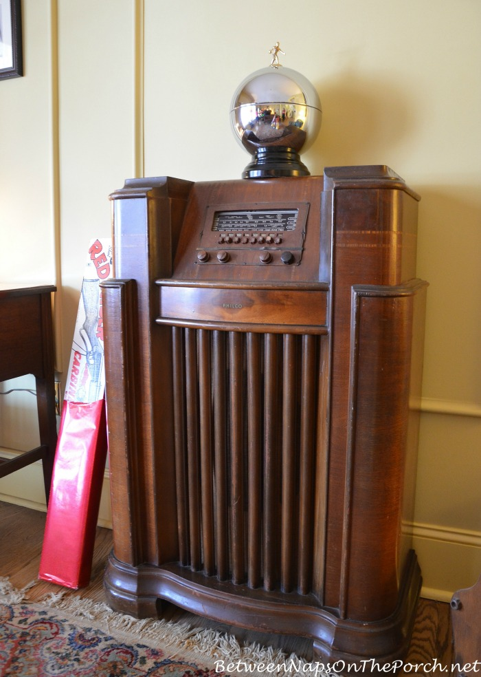 Console Radio in A Christmas Story Movie, Cleveland Ohio