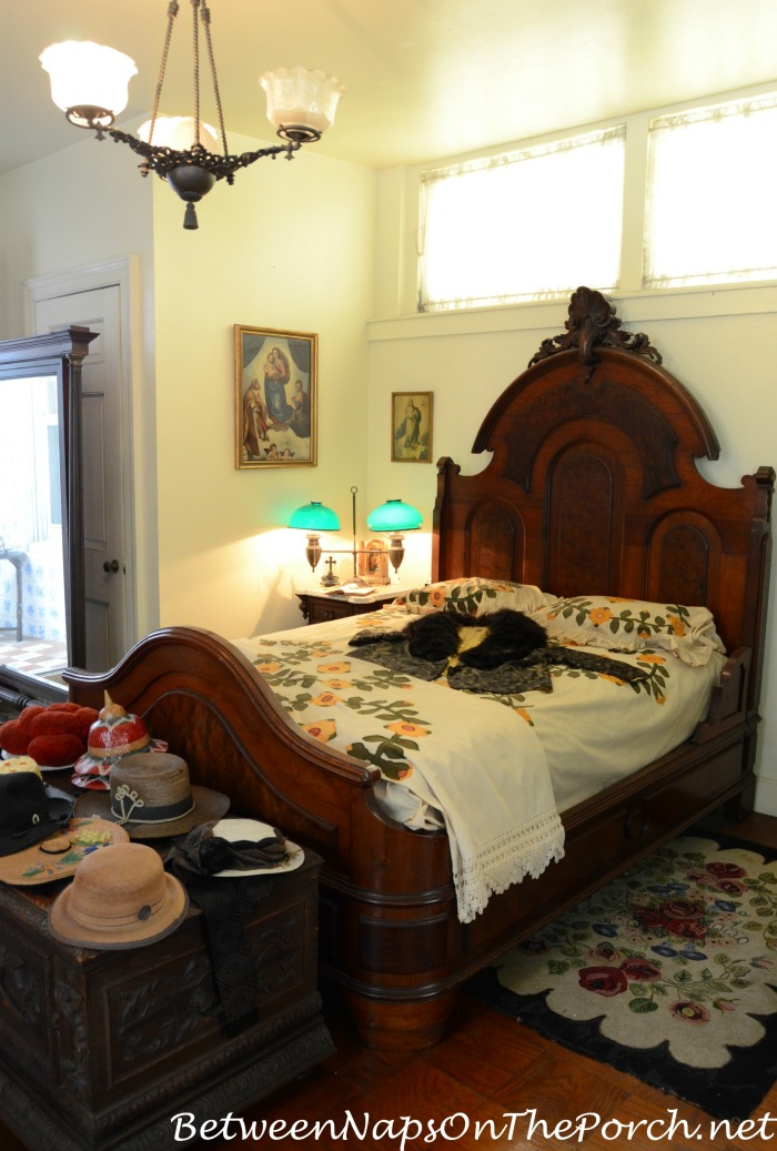Frances Parkinson Keyes's Bed
