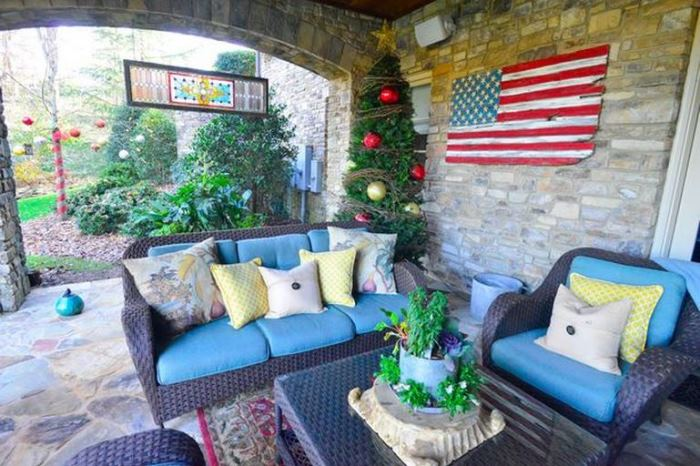 Porch Decorated For Christmas, Love The Wood Flag