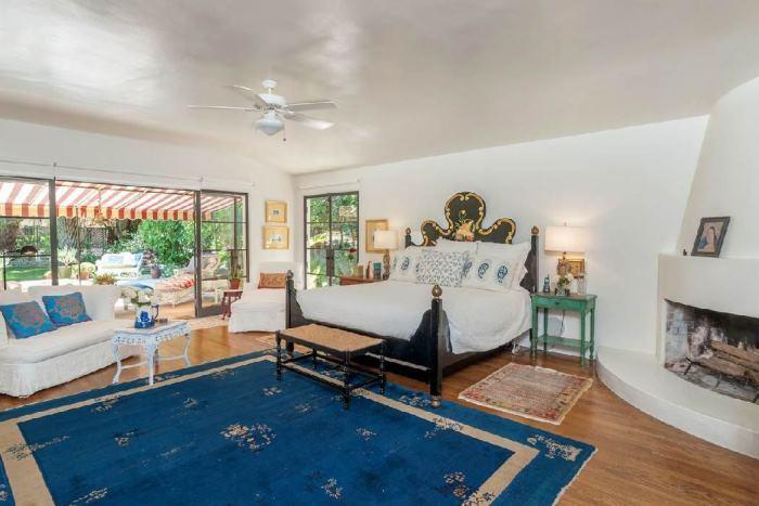 Annie Potts Bedrooms In Her Tarzana Home