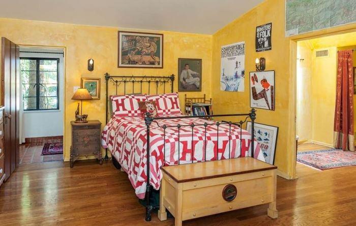 Annie Potts Bedrooms In Her Tarzana Home 4