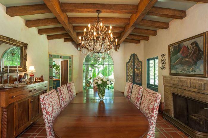 Annie Potts Dining Room In Home In Tarzana