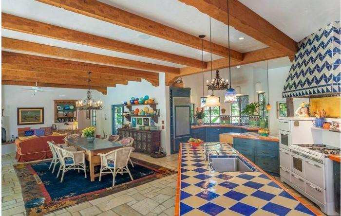 Annie Potts Kitchen, Spanish Hacienda-Style Home In Tarzana