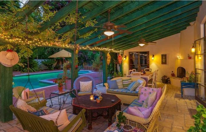Annie Potts Outdoor Dining Area, Hacienda-Style Home
