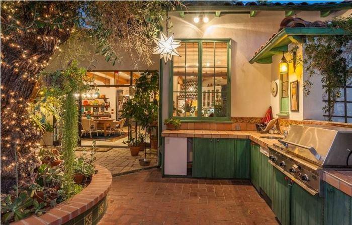 Annie Potts Outdoor Kitchen Los Angeles, CA