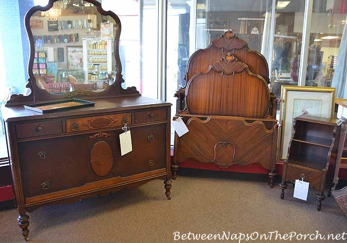 Antiquing & Thrifting For Great Finds 01