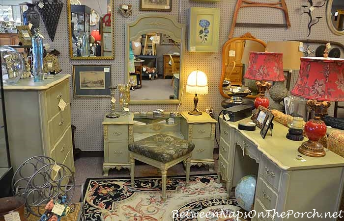 Antiquing & Thrifting For Great Finds 22