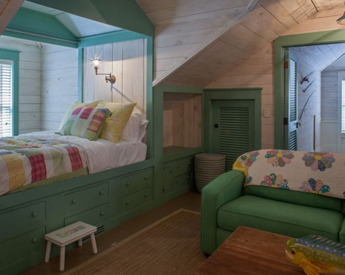 Beach Cottage Bedroom, Built-in Window Seat Bunk Bed