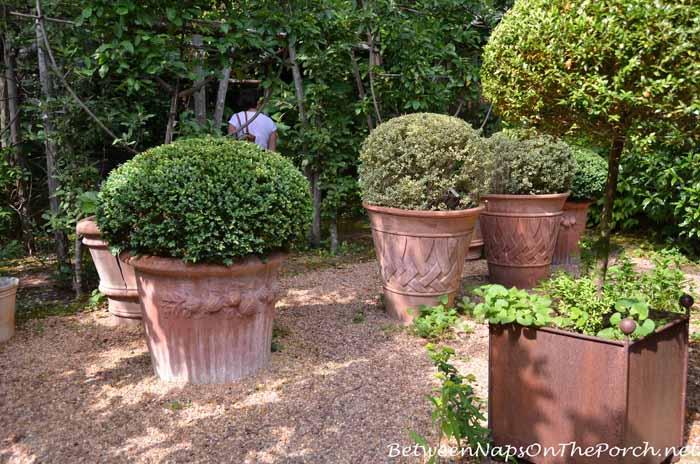 Boxwood Planter In Ryan Gainey's Garden
