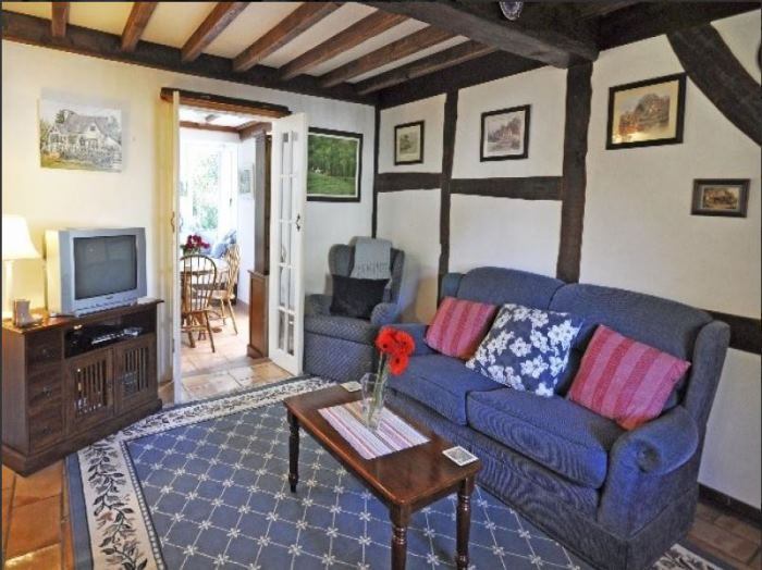 Fairytale Cottage For Sale, Fig Tree Cottage 02