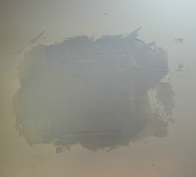 how to cut a hole in drywall and repair